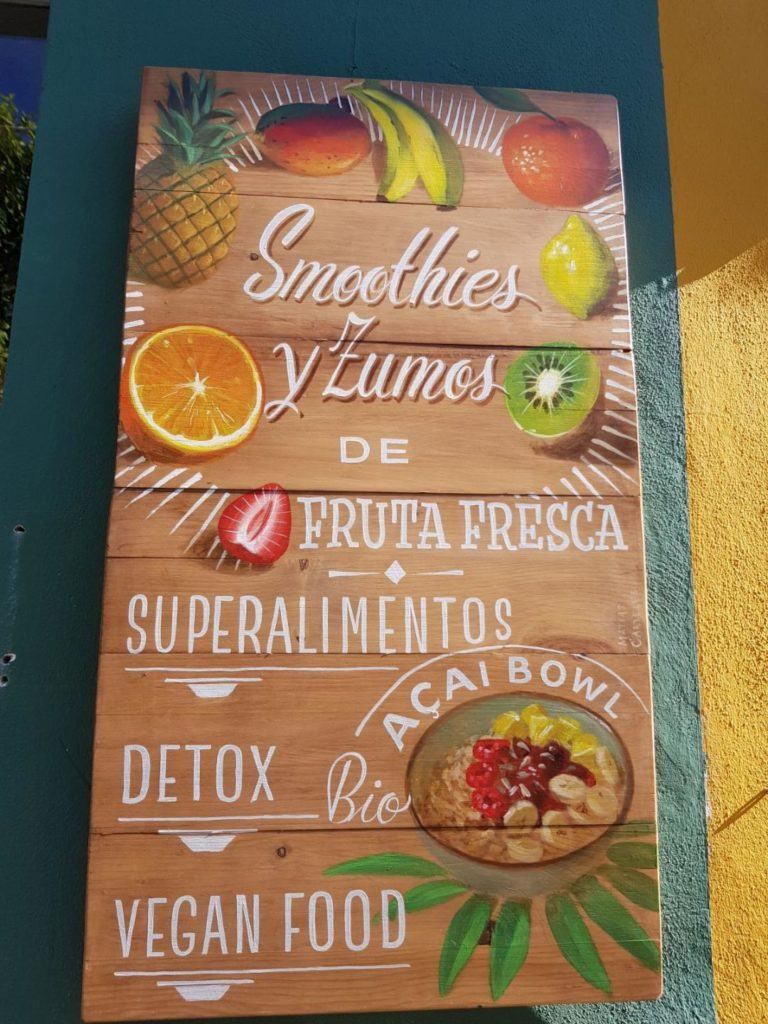 healthy breakfast in seville-healthy food-acai bowl-breakfast-seville