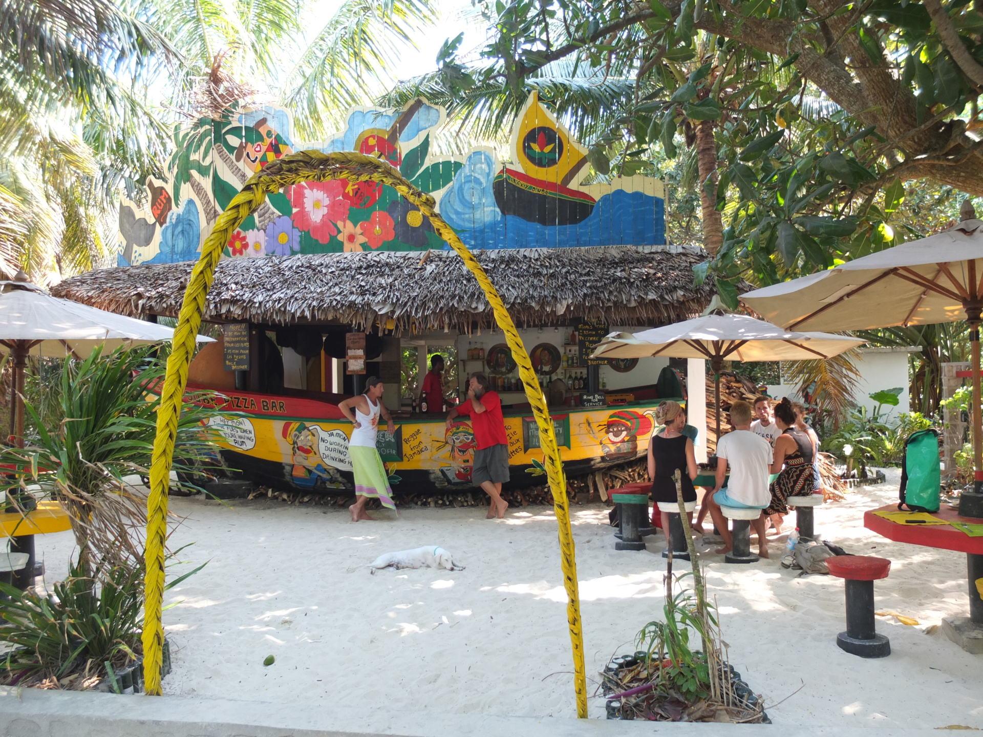 Madagaskar Trip Île aux Nattes Beach Bar