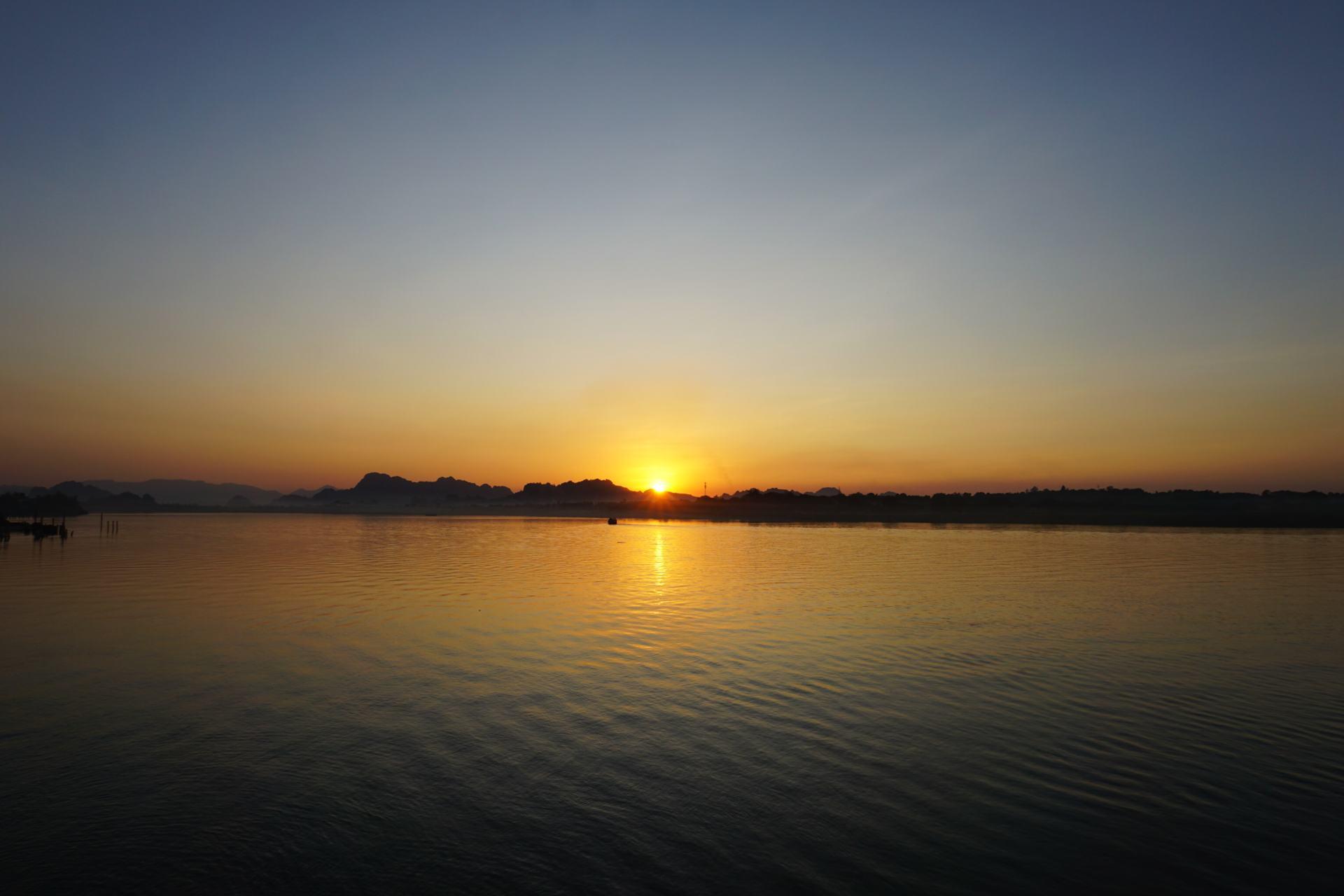 Thanlwin Fluss-Sonnenuntergang Hpa-An