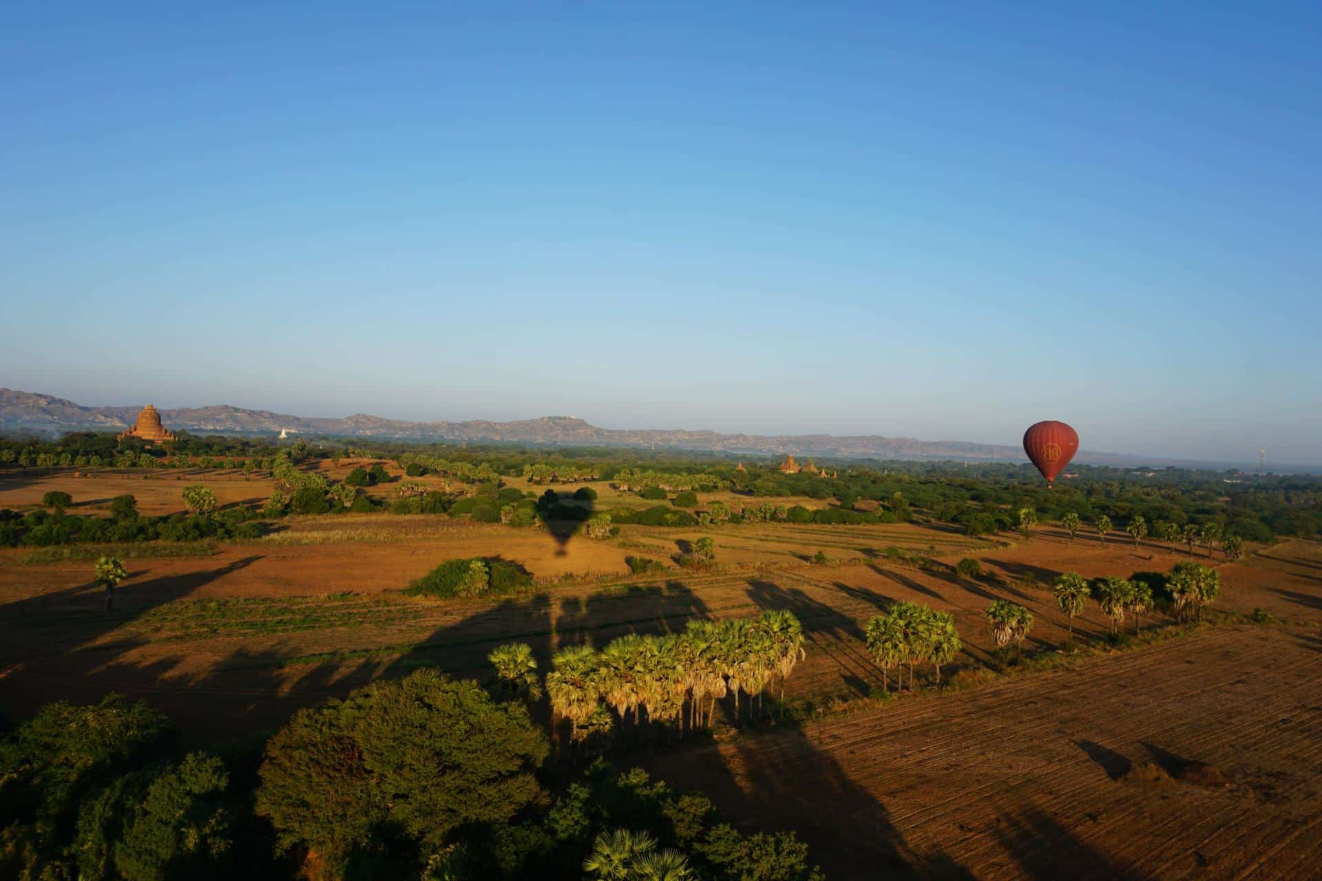 Balloons over Bagan- Ballonflug Bagan