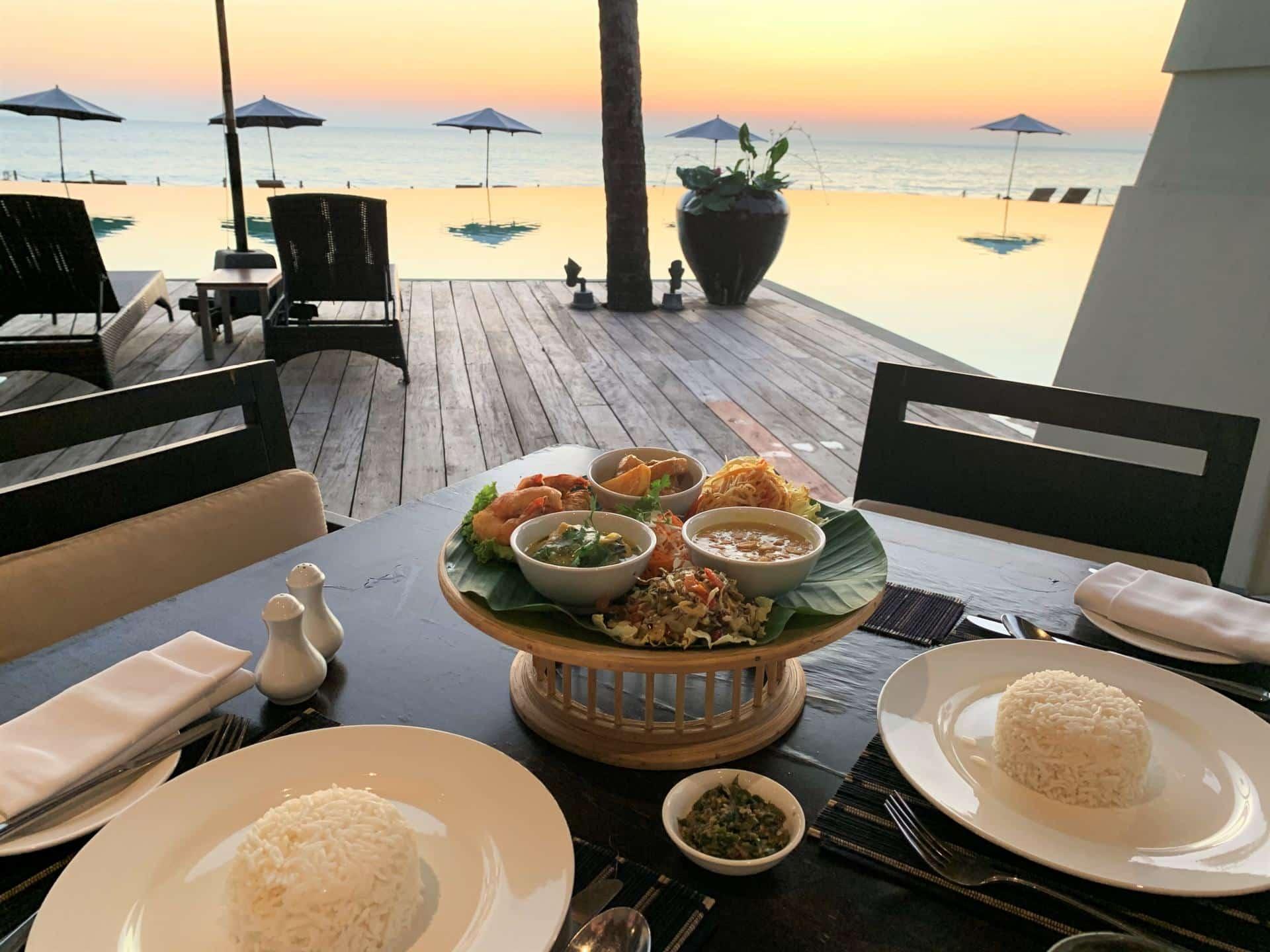 Hilton Ngapali Beach-Dinner-Myanmar
