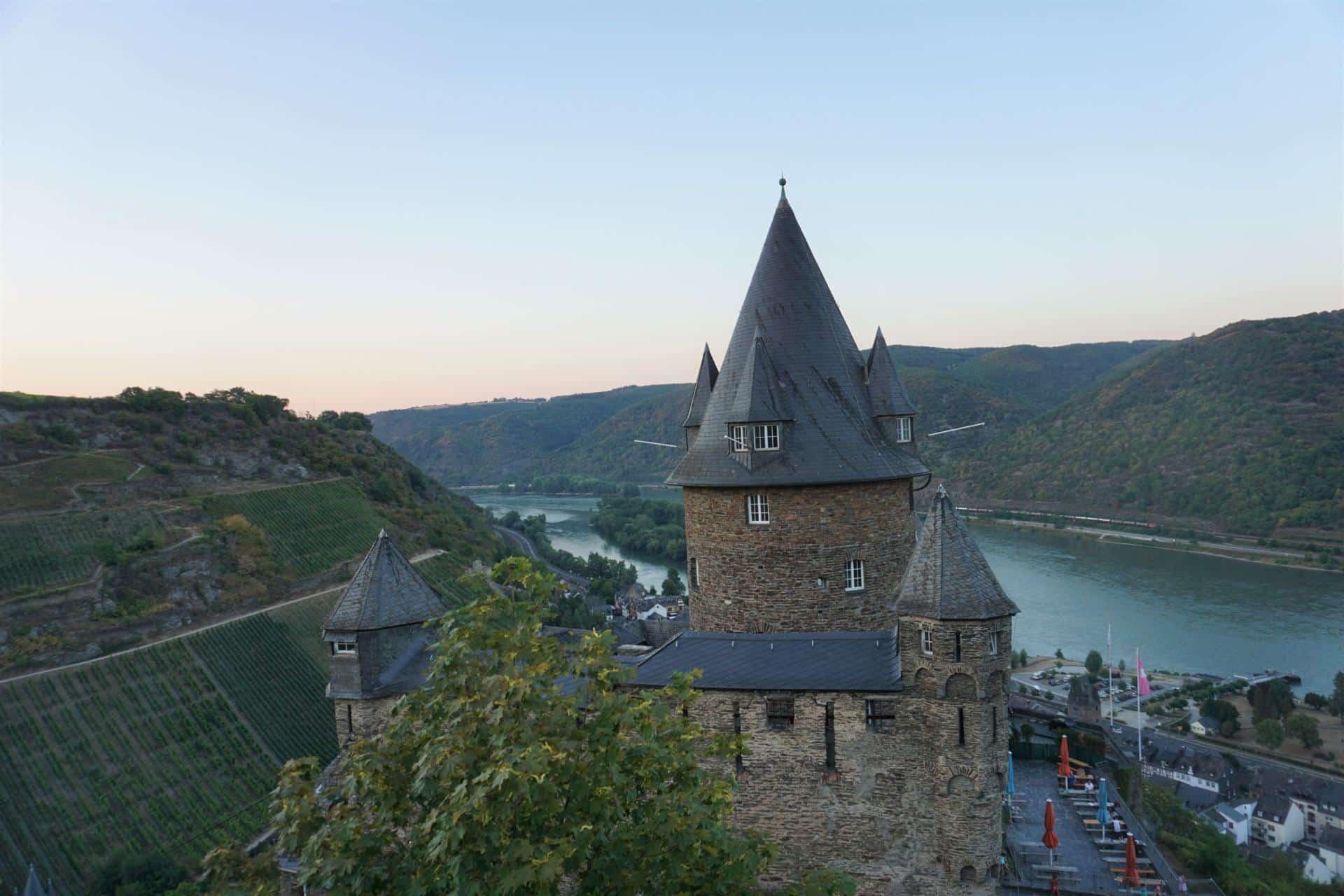 Aussicht über Burg Stahleck